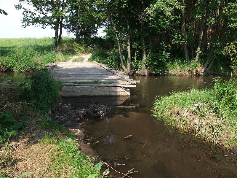 Zniszczony mostek na Krztyni koło Tęgoborza